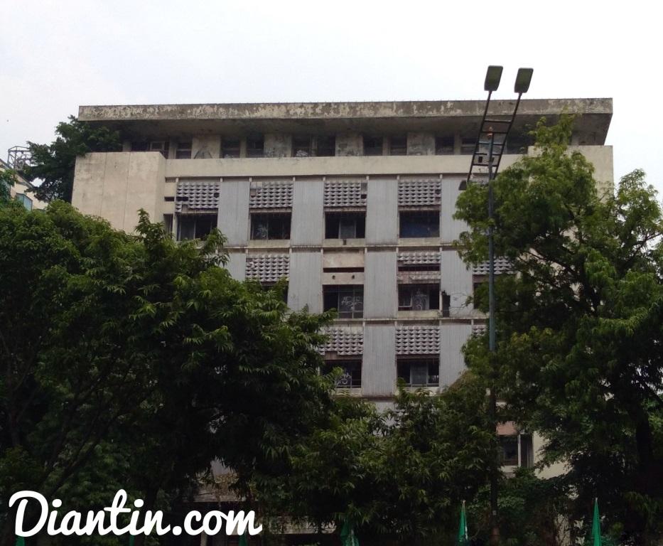tempat bersejarah - gedung kosong bekas pki - diantin.com