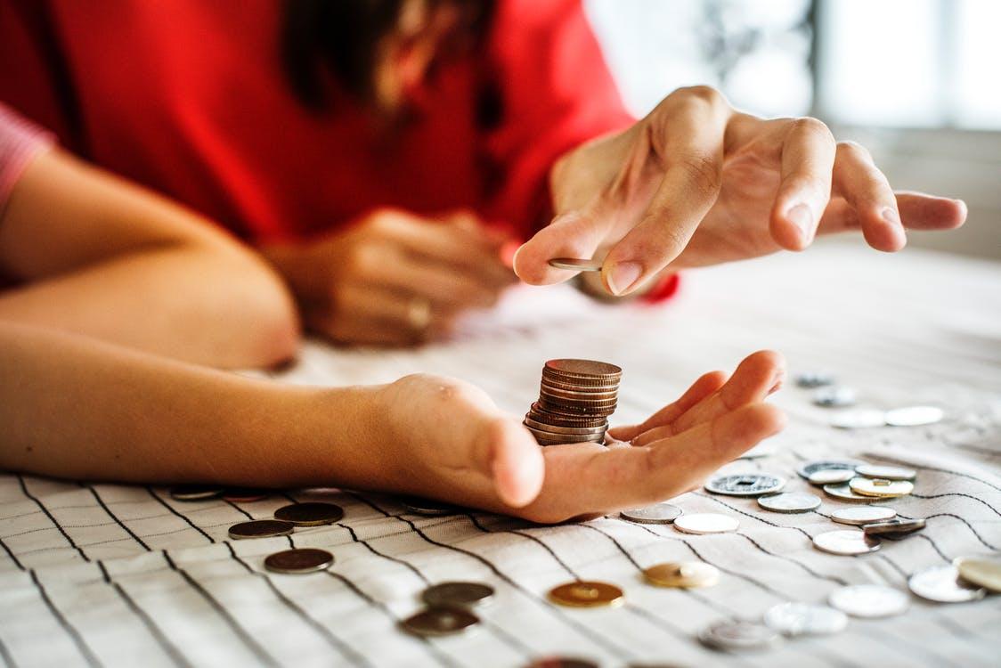 mengatur keuangan untuk anak