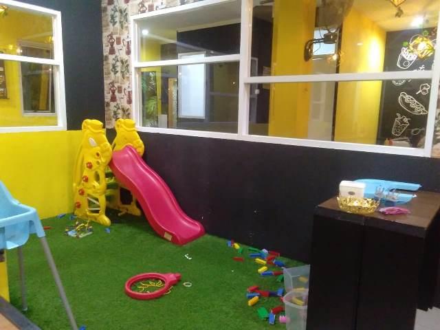tempat bermain anak di foodpedia pemuda - diantin.com
