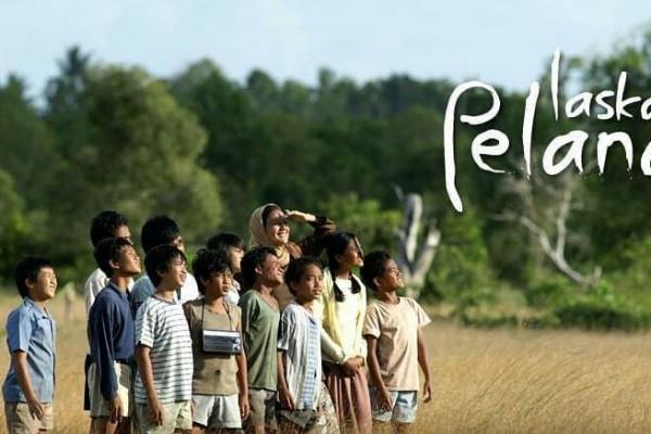 laskar-pelangi-film-indonesia-tentang-persahabatan